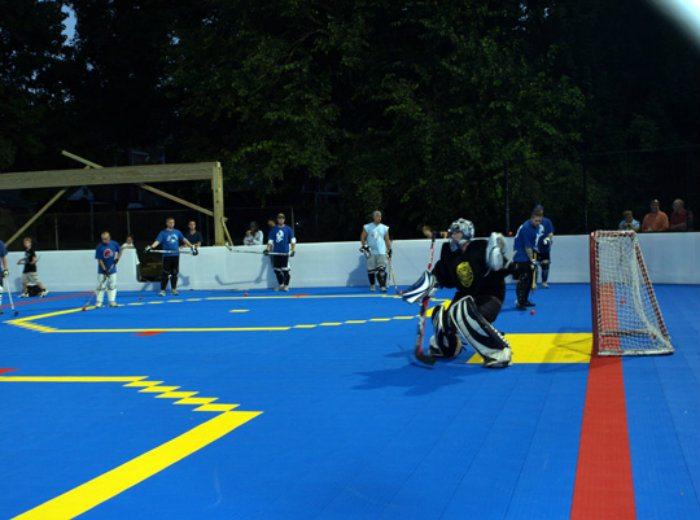 M105 » Début de la saison de dek hockey à Waterloo